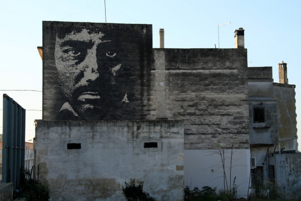 Vhils in Grottaglie (photo by Luna Park)