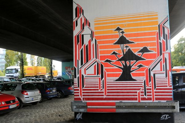 Donnersbergerbrücke: Eitel Artworks (photo by Luna Park)